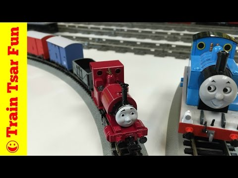 SKARLOEY, BOX VANS, & OPEN WAGON! NEW! Thomas NARROW GAUGE HO Scale Trains