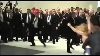 Putin protest by naked gırl .......... Çıplak  kız Putını protesto edıyor