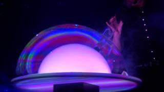 Невероятное шоу мыльных пузырей