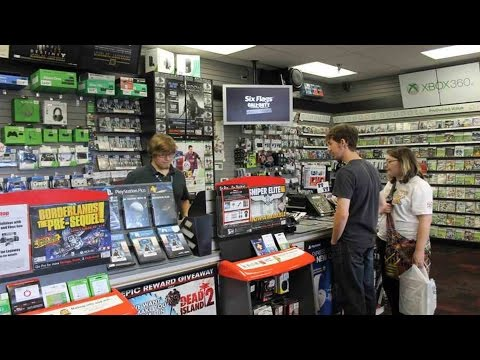 Guy Destroys Xbox In GameStop! MUST WATCH!!!