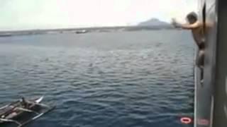 Типичный трейсер - прыжки в воду