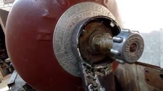 Мое самодельное приспособление для откручивания кранов с БОЛЬШИХ газовых баллонов на даче.(http://bit.ly/2hjdmFJ ручные инструменты из Китая. http://bit.ly/2gMNhha ручные инструменты в России. http://bit.ly/2gWWQu1 ручные инстру..., 2016-06-27T17:52:03.000Z)