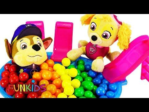 Paw Patrol Skye & Chase Takes Rainbow Candy Gumball Bath in Tub
