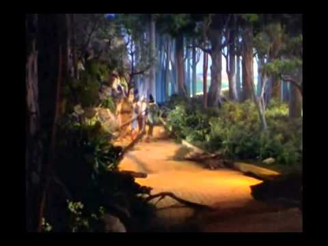 We're Off to See The Wizard - The Wizard Of  Oz (1939)