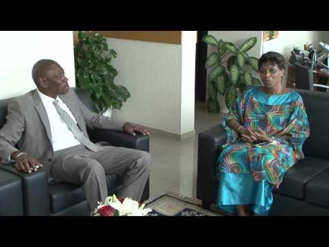 La Représentante spéciale échange avec le directeur regional de l'UNFPA