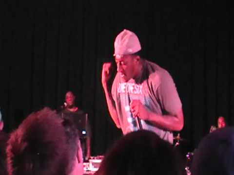 Lecrae- Just Like You (LIVE in Detroit,...