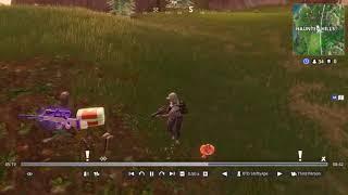 WTF Random loot spawn on Me Fortnite New bug