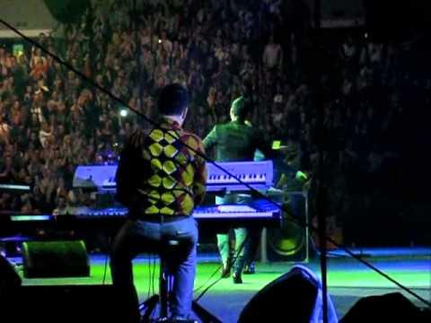 Dino Merlin i Zeljko Joksimovic koncert u Areni 25.11.2011. Nisam ja supermen