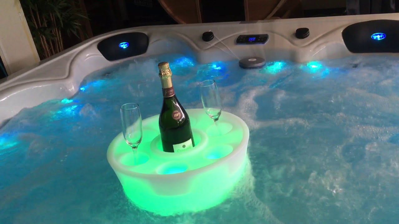 Hottub Led Verlichting Champagne In De Jacuzzi Drijvende Spa Bar