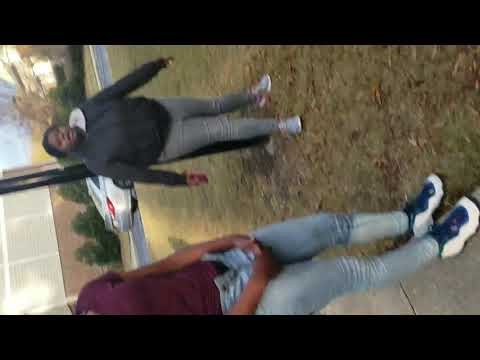 Teenage Girls Fight Like Grown Men !!!