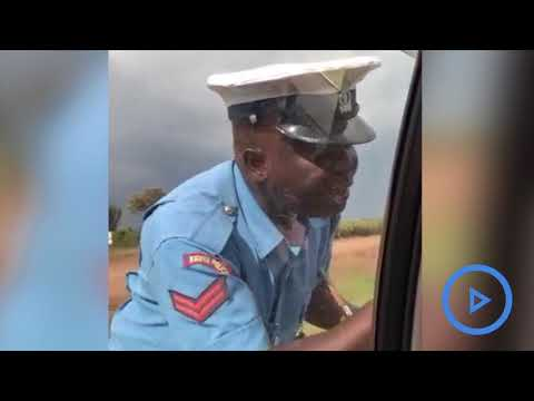 Shame as police officer is caught on video soliciting for bribe