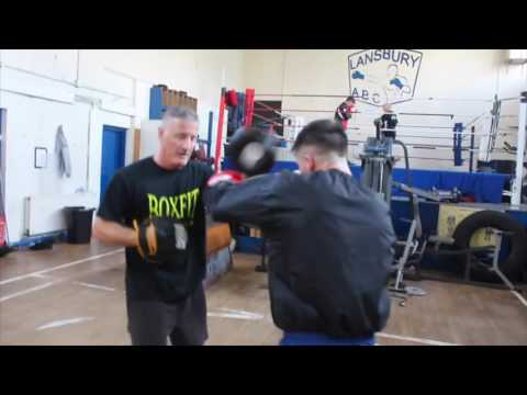 JOHNNY COYLE ON THE PADS WITH TRAINER JOHNNY SPARKS @ LANSBURY ABC / iFL TV