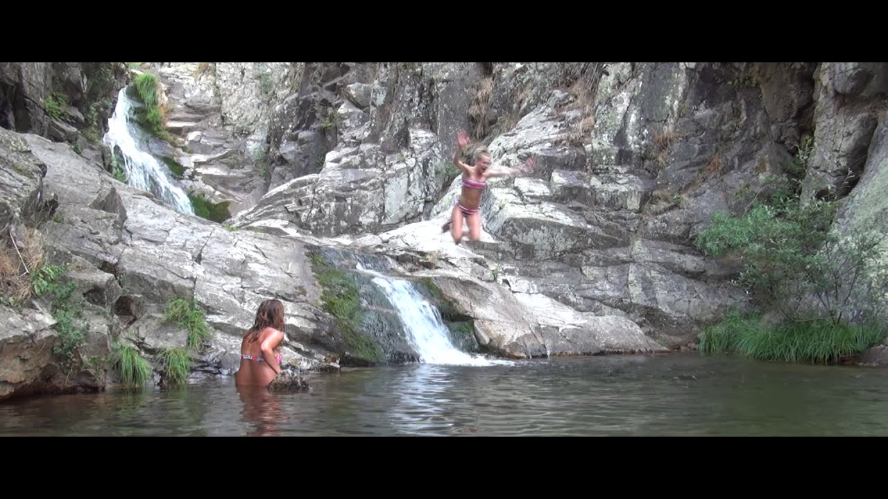 Las presillas piscinas naturales rascafr a madrid youtube for La pedriza piscinas naturales