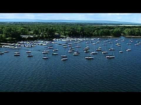 Adirondack Coast -  Boating on Lake Champlain