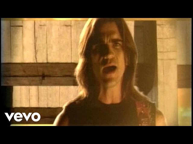 Juanes - Nada Valgo Sin Tu Amor (Official Music Video)