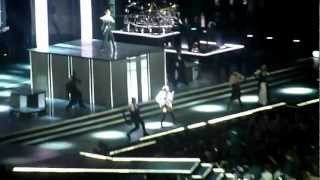 Мадонна MDNA Madonna  Москва(Москва Олимпийский MDNA., 2012-08-08T06:37:40.000Z)