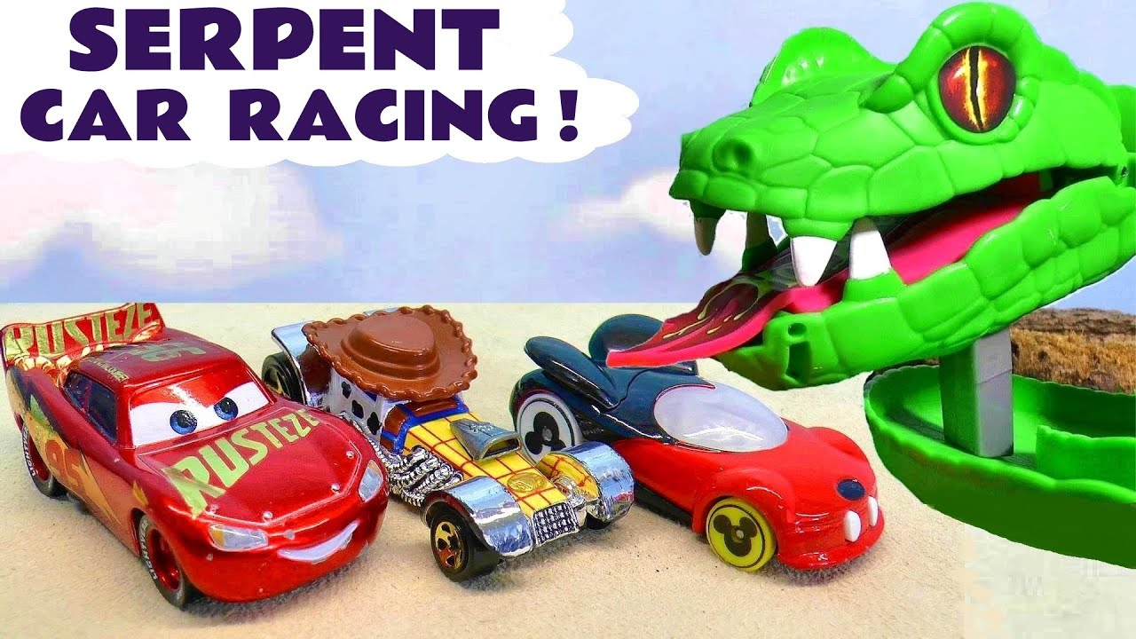 Pixar Cars 3 McQueen Toys Racing with The Funlings