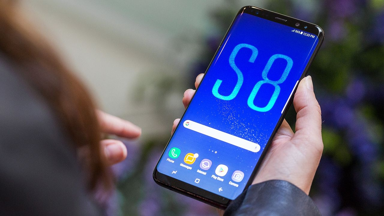 Samsung Galaxy S8 - Tech Gadgets of 2018