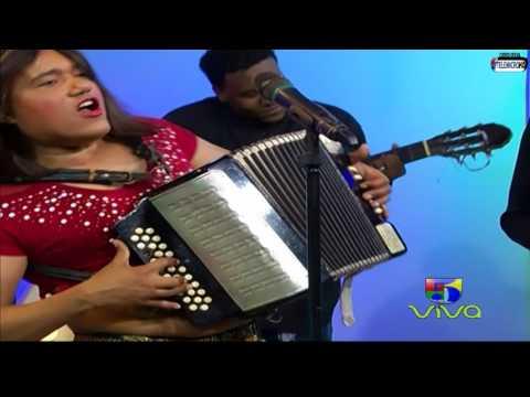 Raquel Arias Parodia El Barrigón en El  de Raymond y Miguel