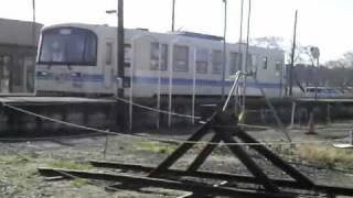 2009.12.22鹿島鉄道鉾田駅跡で撤去2日前最後の線路上の車両&天そば