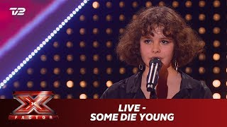 Live synger 'Some Die Young' - Laleh (5 Chair Challenge) | X Factor 2019 | TV 2