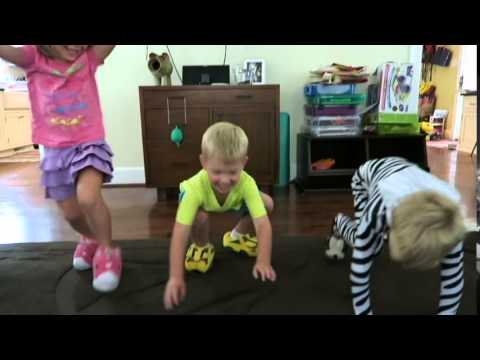 f27d3cf82 3SillyKids Stride Rite Light Up Slippers - YouTube
