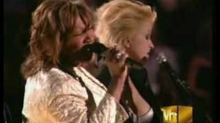 Cyndi Lauper And Patti Labelle   Time After Time Live2004 flv