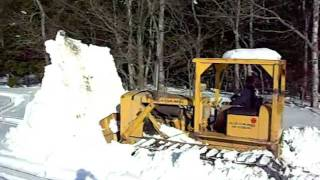 pushing snow with Allis Chalmers HD9 part 1