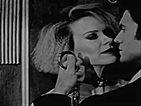 AHS:HOTEL  Hypodermic Sally (Mary Jane Holland)