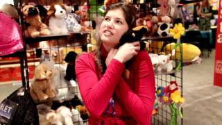 Noelle Picks the Most Huggable Dog At Toy Fair 2012