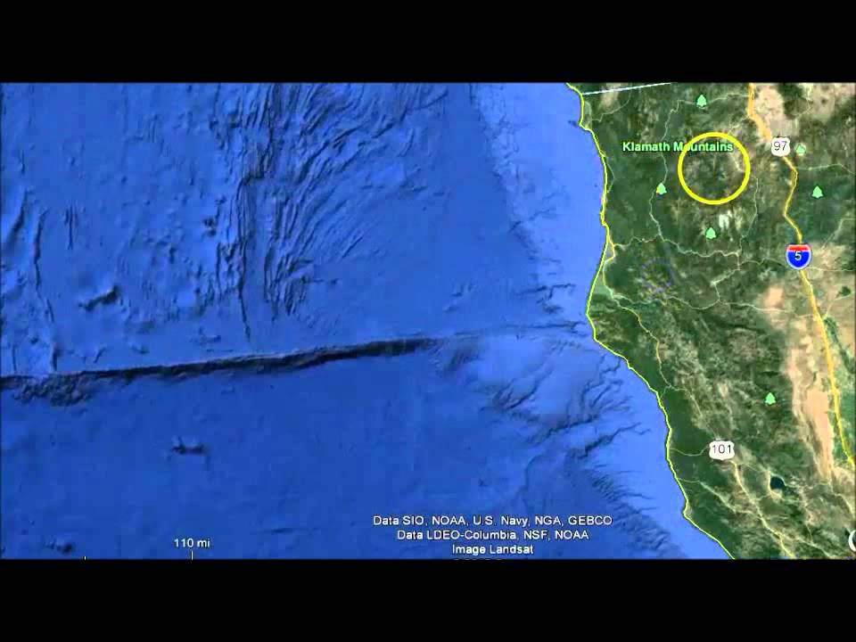 Strange underwater anomalies off oregon california coast google strange underwater anomalies off oregon california coast google earth youtube gumiabroncs
