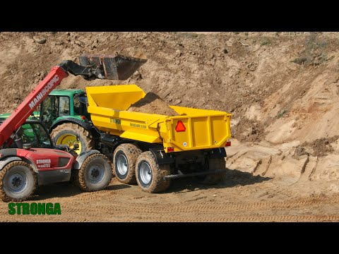 Stronga DumpLoada DL1000HP mit John Deere Traktor - Sand Transport from YouTube · Duration:  3 minutes 14 seconds