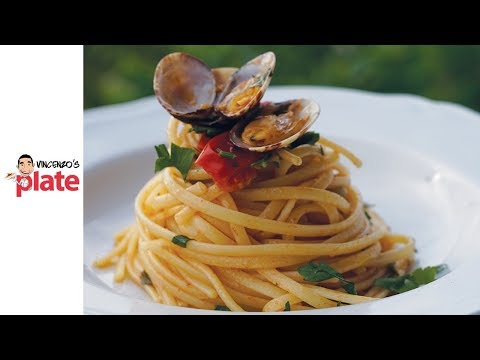 LINGUINE ALLE VONGOLE   How to Cook Clams Pasta (Seafood Spaghetti)   Italian Recipes