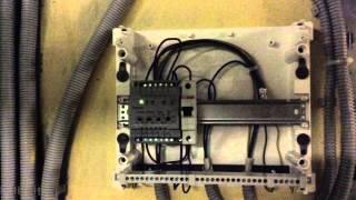 Привокзальная 5а к1-2-3-4 резервируем электропитание.(Отключение света в одном электрощите привело к падению связи в доме на долгие 2,5 часа поздно вечером в выход..., 2015-03-04T21:53:18.000Z)