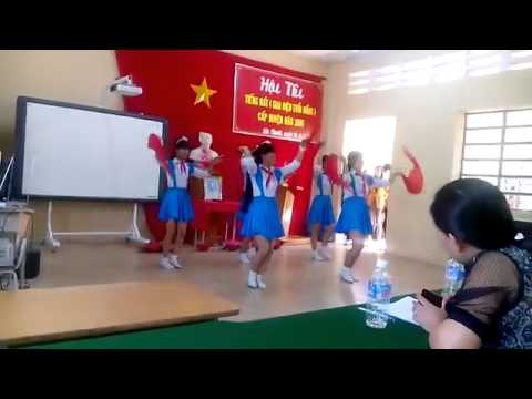 Giọng Hát Việt Nhí Lương Ngọc Trang Múa Hoa Thơm Dâng Bác