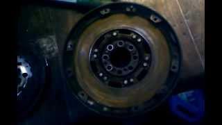двухмассовый маховик  Mercedes Vito 1996 г.в.(Это видео загружено с телефона Android., 2013-10-07T07:50:59.000Z)