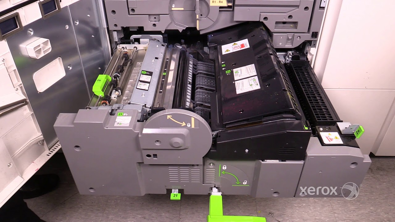 Xerox® Versant® 80 180 Color Press Clearing a Paper Jam in the Registration  Area