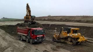 cat d6t xl cat 345c loading dump trucks