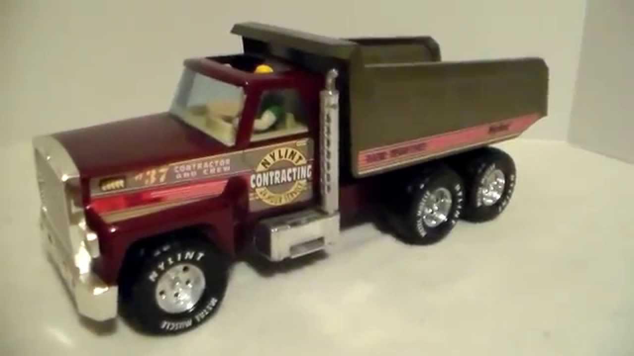 "Lot Detail - 1980s Nylint GMC 18"" No. 911-Z Semi-Truck In Original Box"
