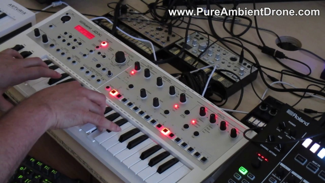 Kraft Music - Roland JD-Xi Crossover Synth Performance with Scott .