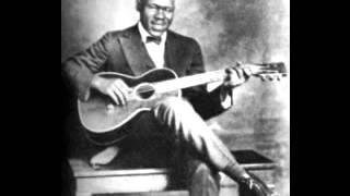 Blind Lemon Jefferson - See That My Grave Is Kept Clean