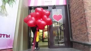 Доставка воздушных шаров. Шарики в форме сердца.