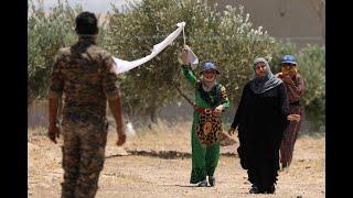أخبار عربية | وصول مئات المدنيين الى نقاط تمركز #سوريا_الديمقراطية