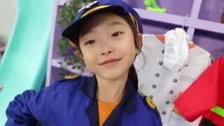 마슈의 슈퍼히어로 어린이 직업체험 놀이 choose a profession - Superhero pretend play 마슈토이 Mashu ToysReview