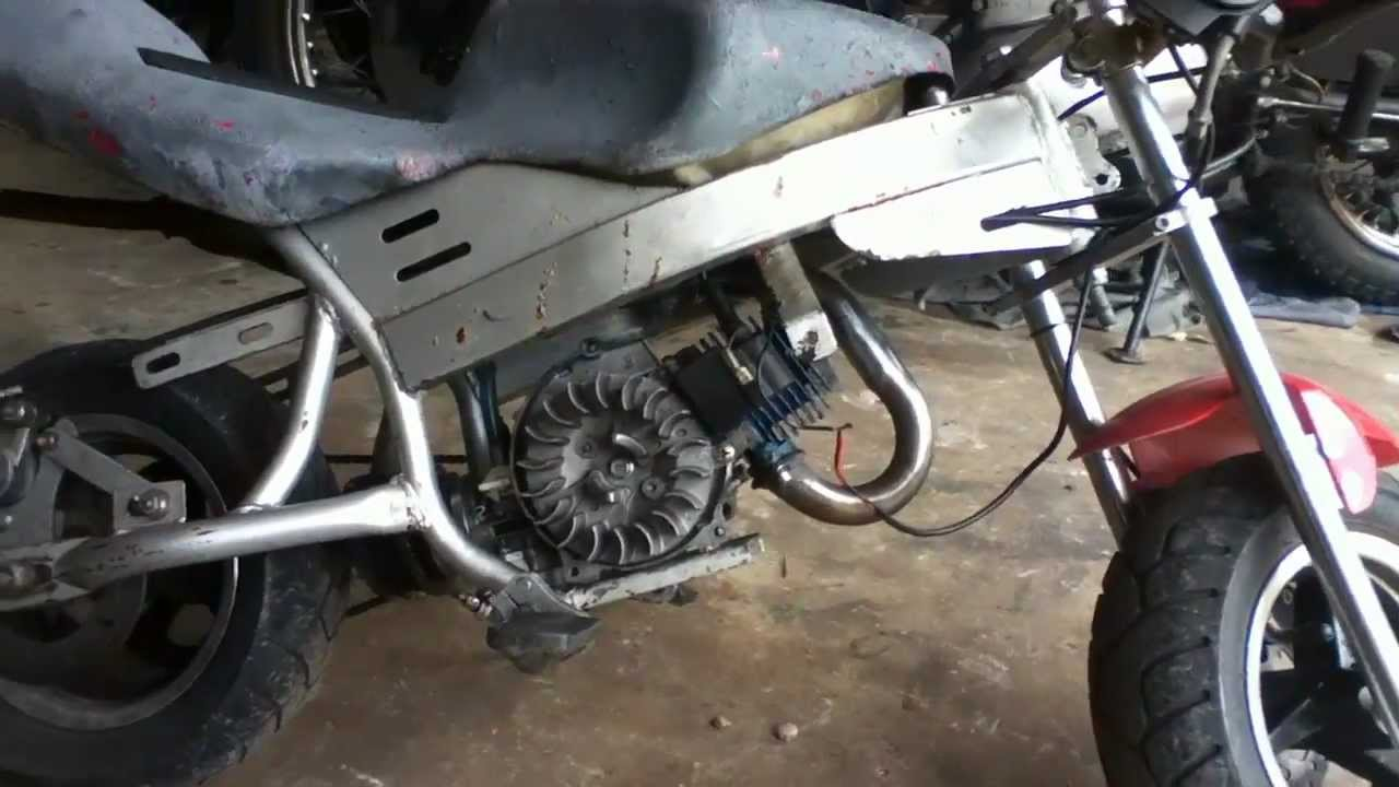 How To Remove 47cc Pocket Bike Engine From Frame Youtube