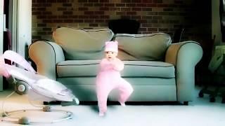 Малыш танцует Опа ганам стайл(oppa gangnam style)