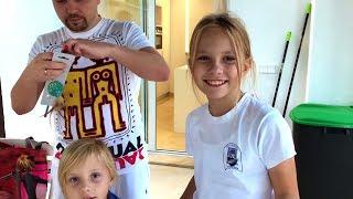 видео Новогодние подарки детям
