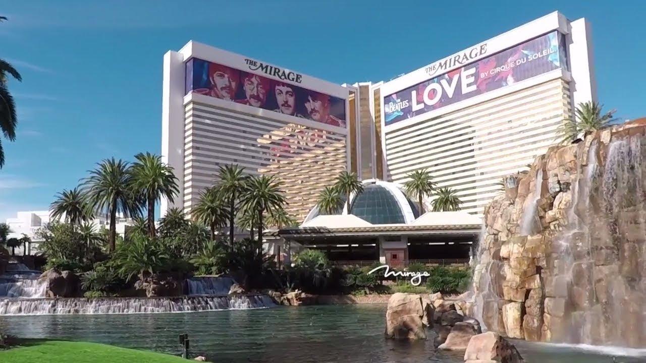 Mirage Hotel November 2017 Las Vegas The Beatles Love Slots