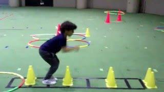 الوثب بالقدمين معاً -برنامج تطوير المهارات الحركية