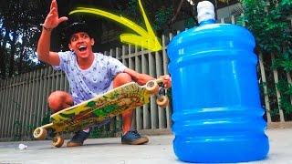DESAFIO DA GARRAFA ANDANDO DE SKATE | André Victor [ WATER BOTTLE FLIP CHALLENGE ]